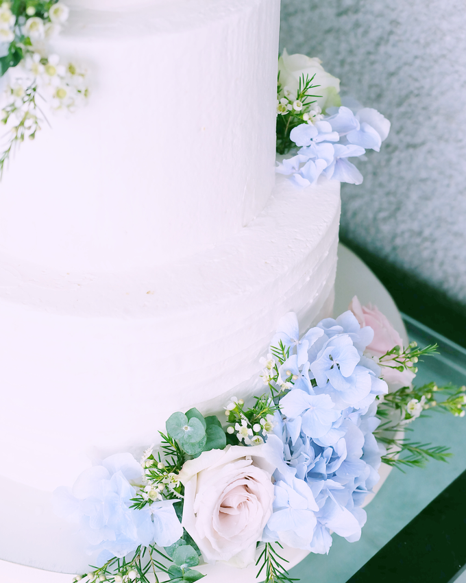 The Wedding of Nicho & Frieska  by KAIA Cakes & Co. - 010