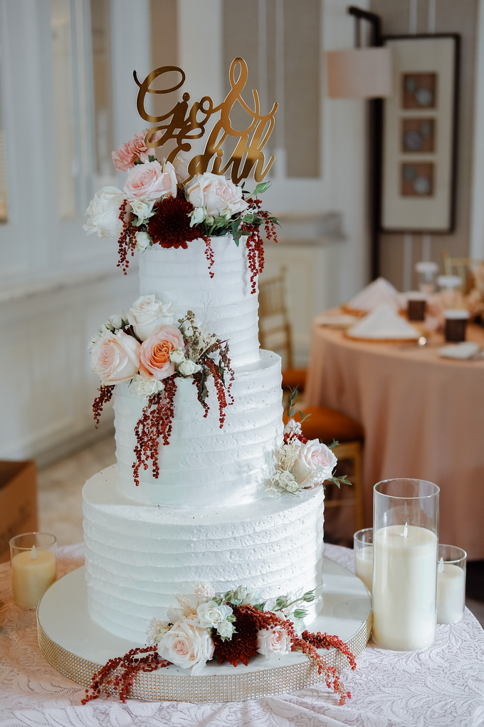 The Wedding of Giovanni & Edith  by KAIA Cakes & Co. - 004