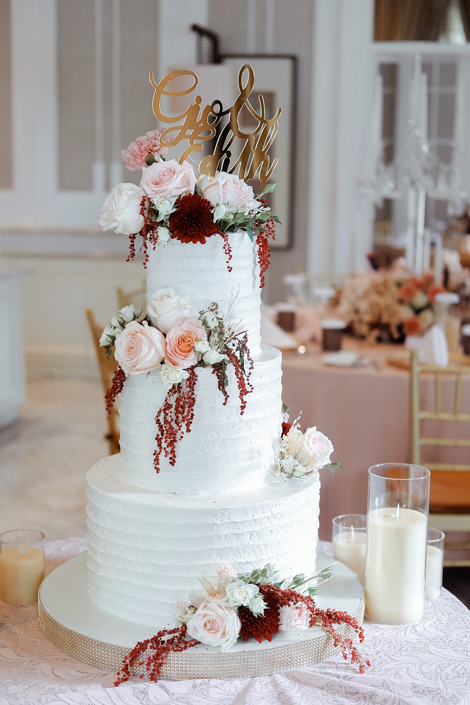The Wedding of Giovanni & Edith  by KAIA Cakes & Co. - 010