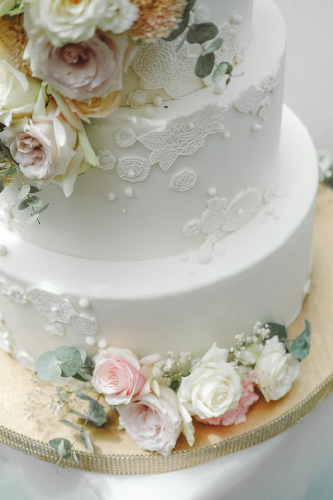 The wedding of Alexius & Henni by KAIA Cakes & Co. - 008