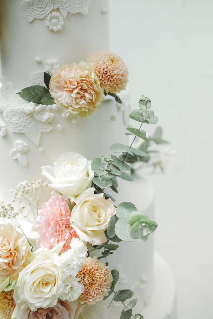 The wedding of Alexius & Henni by KAIA Cakes & Co. - 009