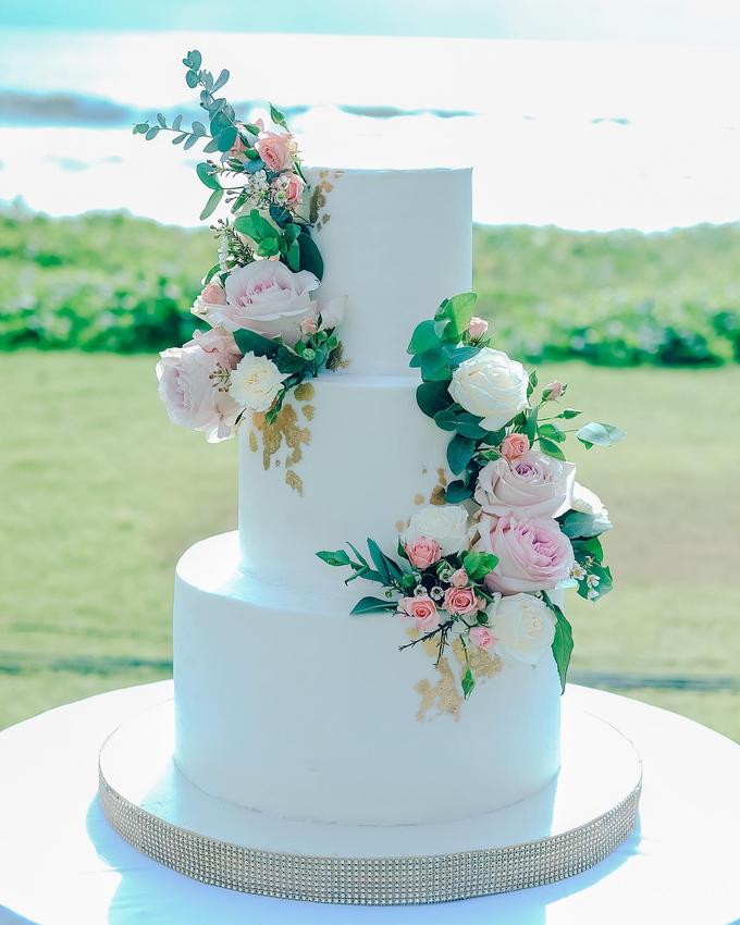 The wedding of Nicholas & Febiola by KAIA Cakes & Co. - 009