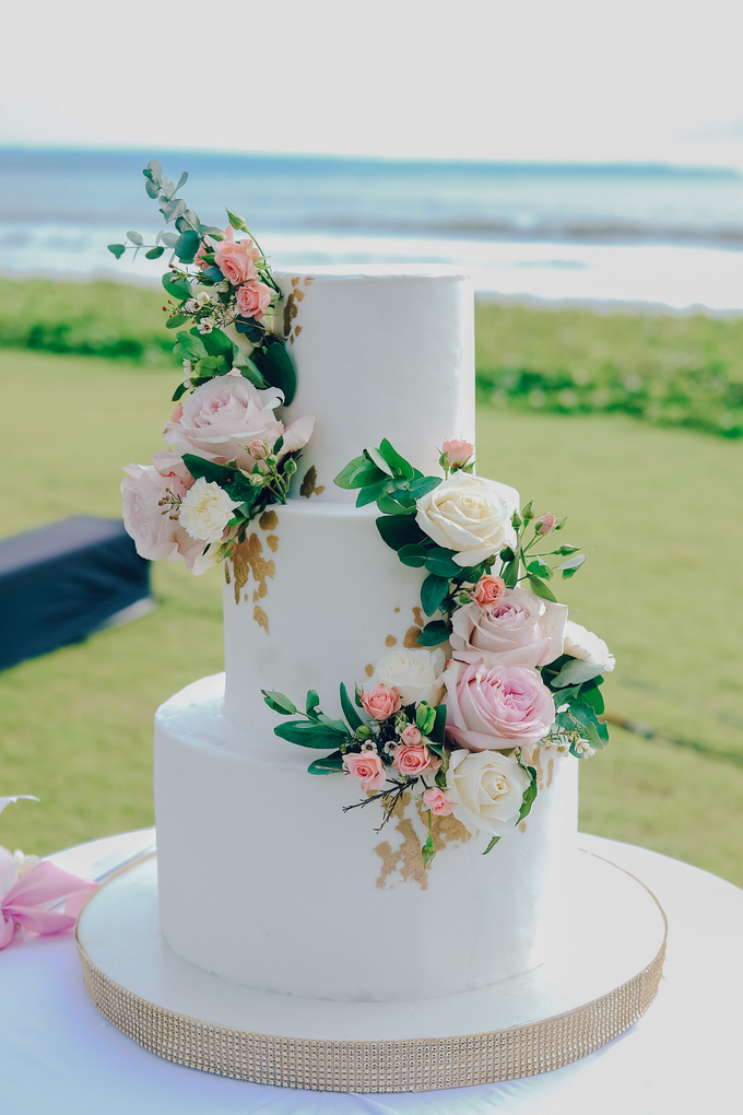 The wedding of Nicholas & Febiola by KAIA Cakes & Co. - 023