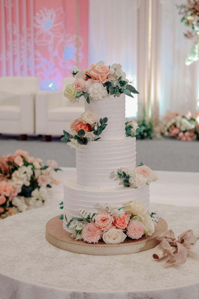 The Wedding of Felix & Silvia by KAIA Cakes & Co. - 001