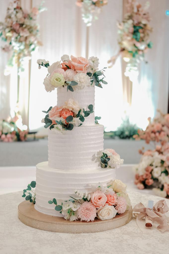 The Wedding of Felix & Silvia by KAIA Cakes & Co. - 003