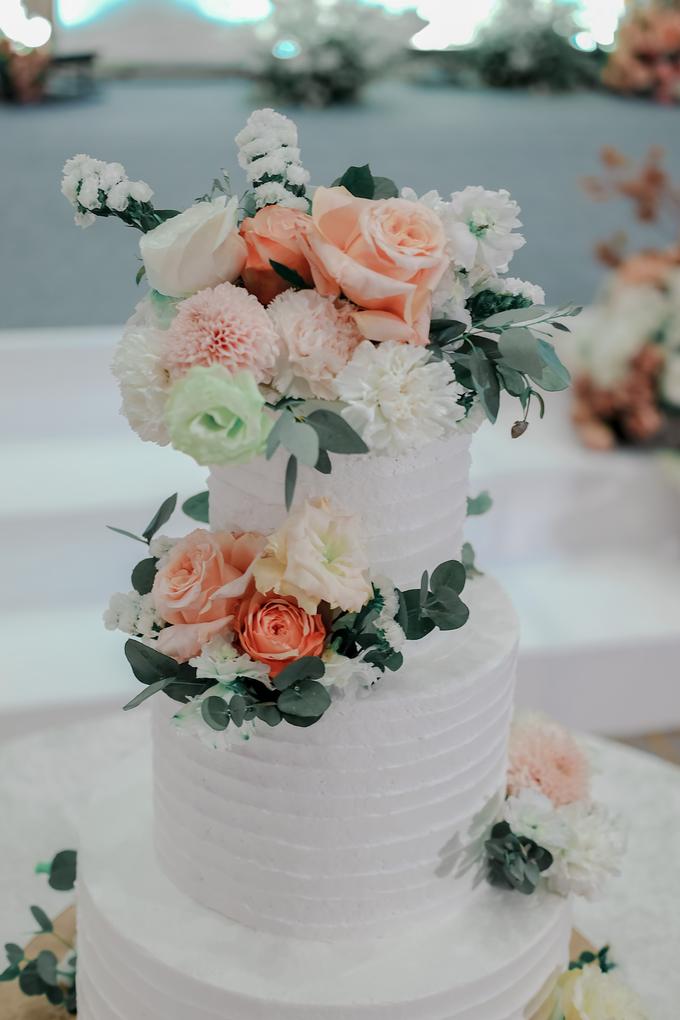 The Wedding of Felix & Silvia by KAIA Cakes & Co. - 006