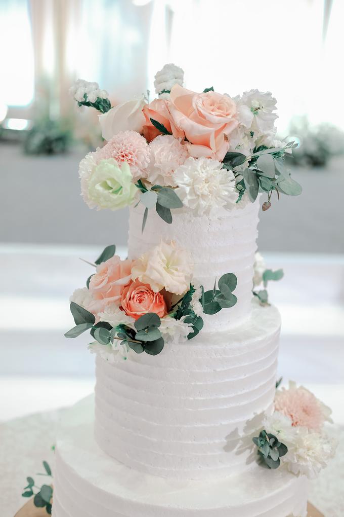 The Wedding of Felix & Silvia by KAIA Cakes & Co. - 007