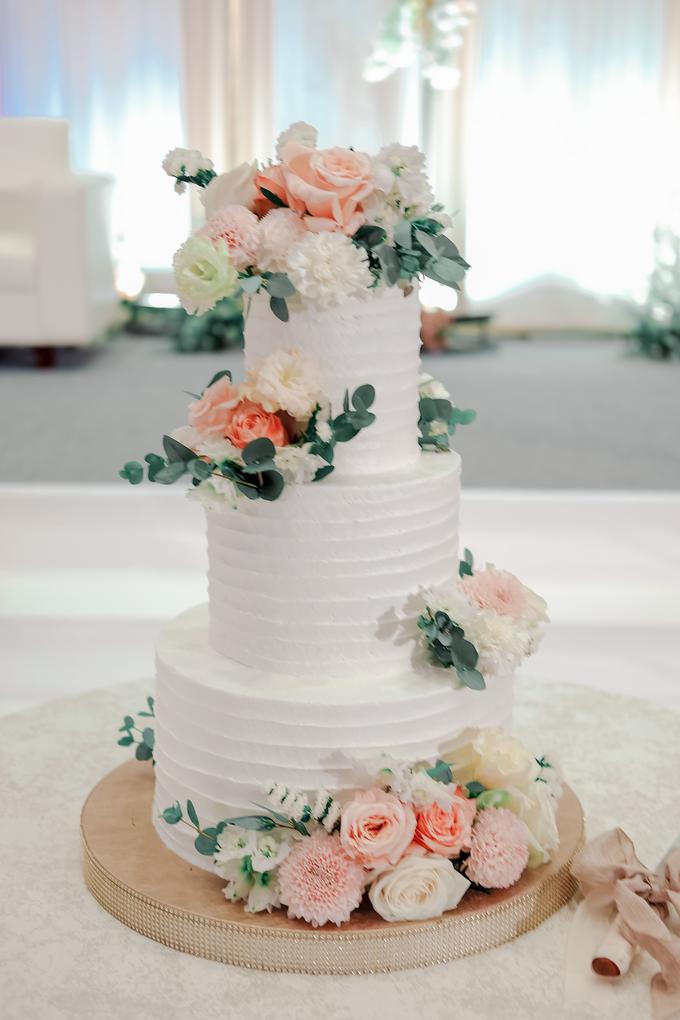 The Wedding of Felix & Silvia by KAIA Cakes & Co. - 011