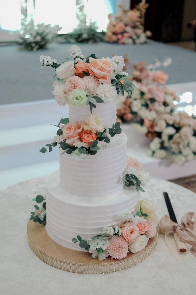 The Wedding of Felix & Silvia by KAIA Cakes & Co. - 015