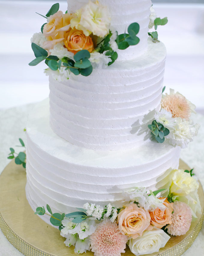 The Wedding of Felix & Silvia by KAIA Cakes & Co. - 017
