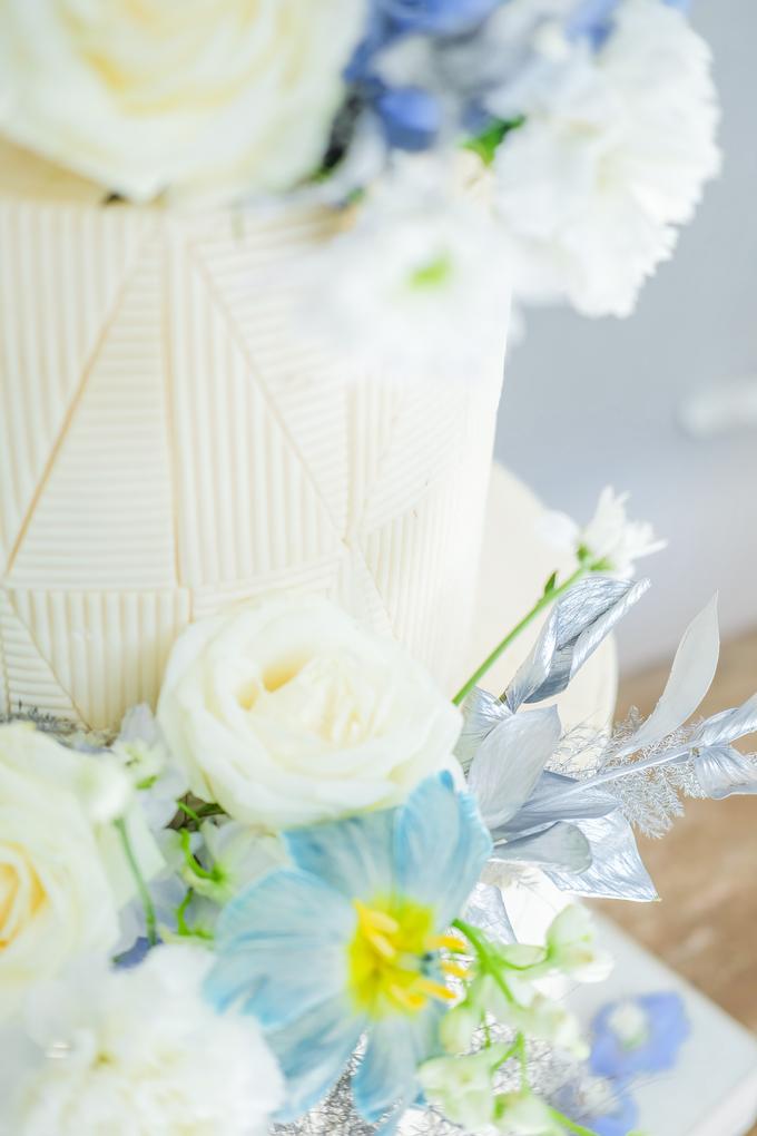 The wedding of Ferry & Kartika by KAIA Cakes & Co. - 005