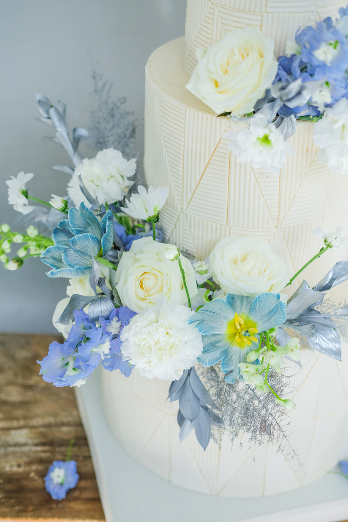 The wedding of Ferry & Kartika by KAIA Cakes & Co. - 012