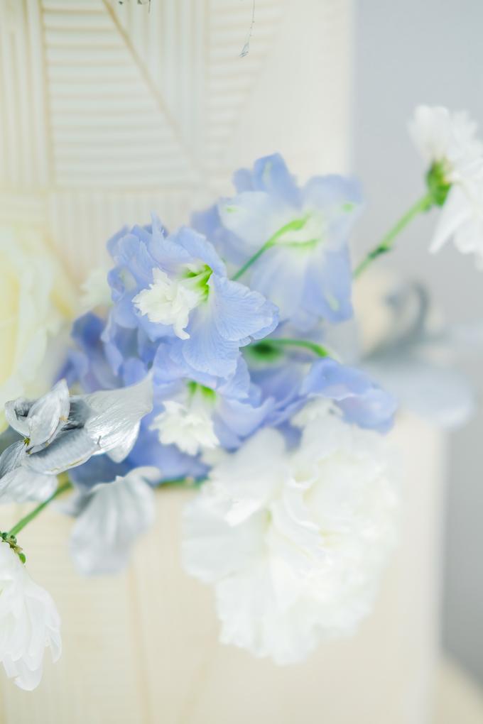 The wedding of Ferry & Kartika by KAIA Cakes & Co. - 013