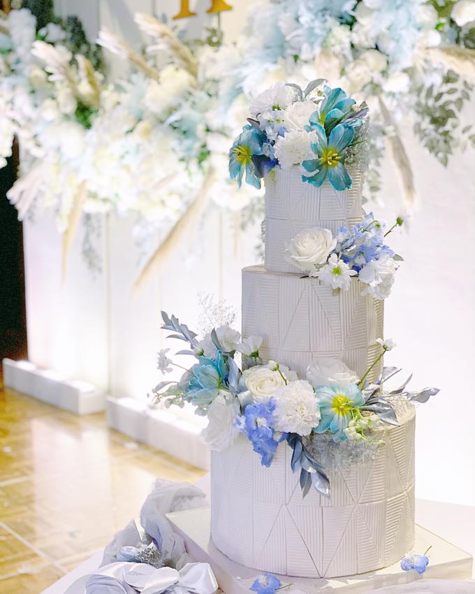 The wedding of Ferry & Kartika by KAIA Cakes & Co. - 017