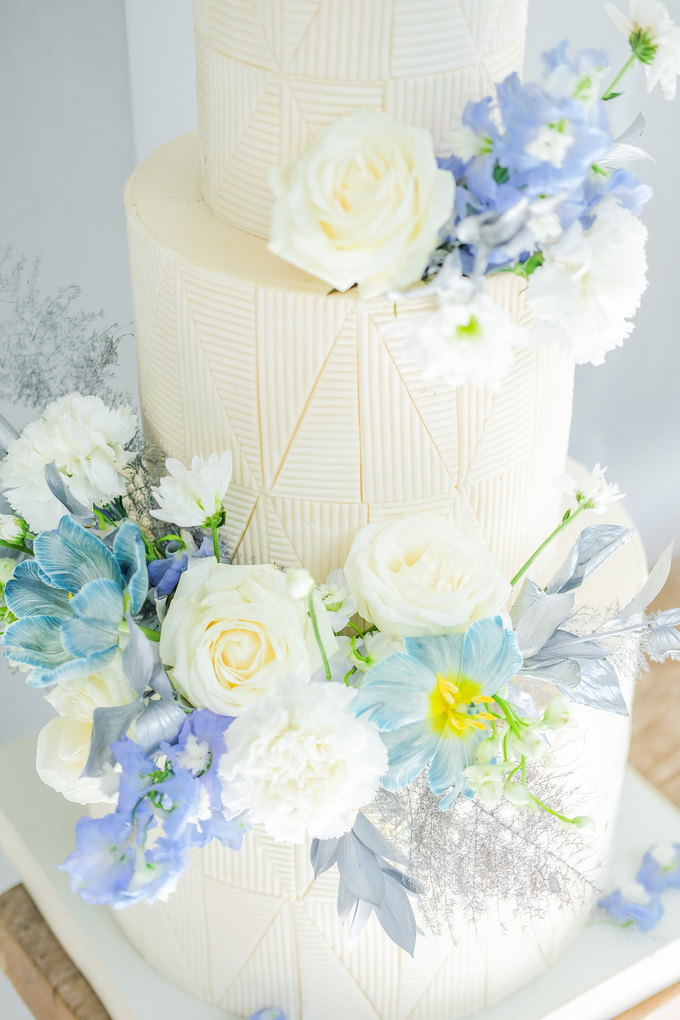 The wedding of Ferry & Kartika by KAIA Cakes & Co. - 018
