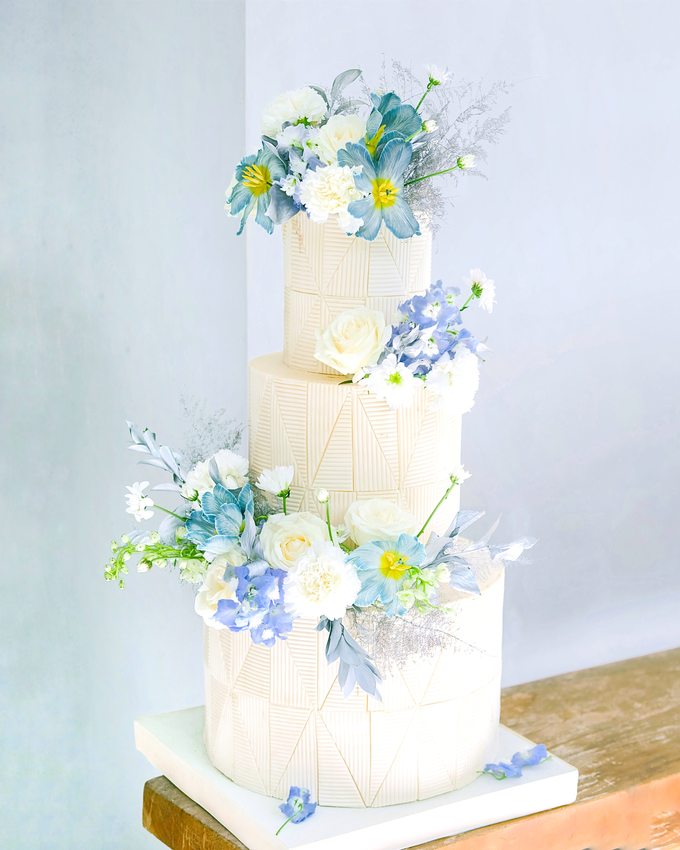 The wedding of Ferry & Kartika by KAIA Cakes & Co. - 023