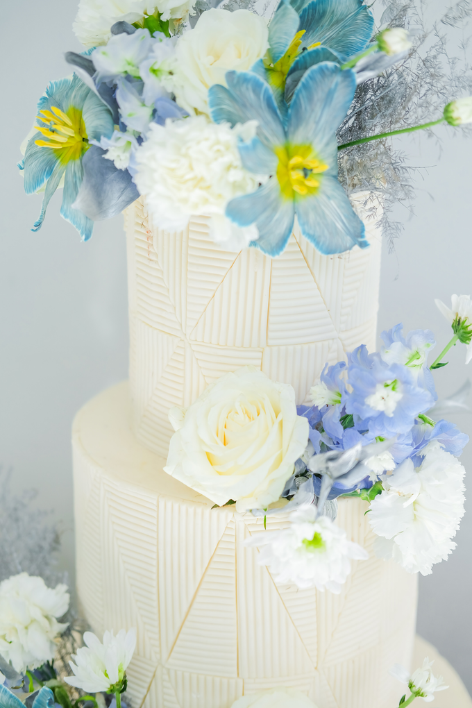 The wedding of Ferry & Kartika by KAIA Cakes & Co. - 026