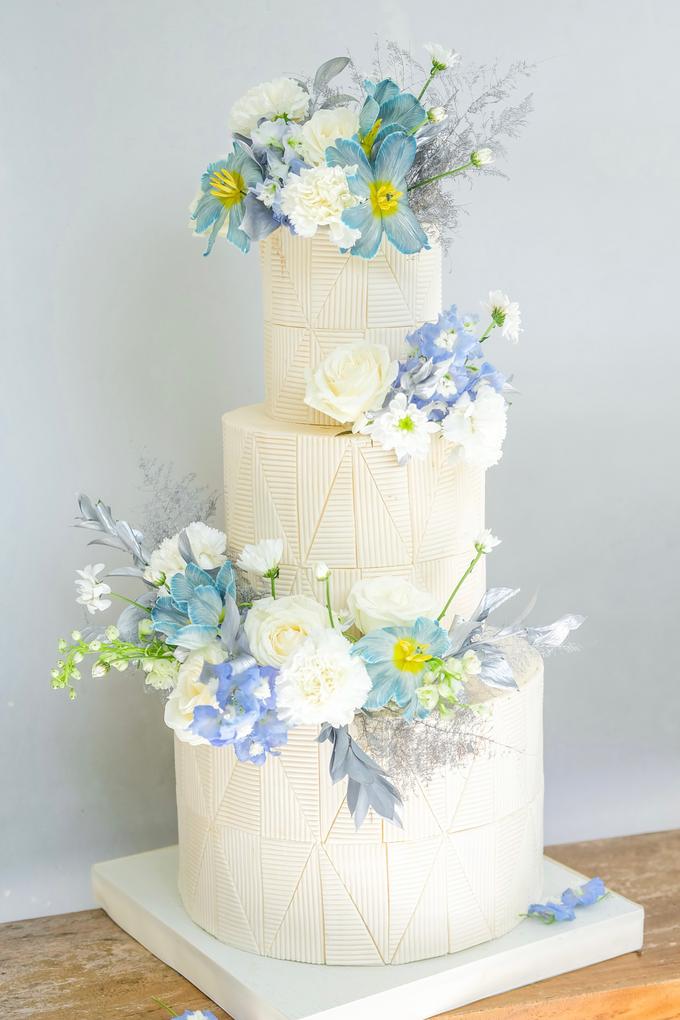 The wedding of Ferry & Kartika by KAIA Cakes & Co. - 035