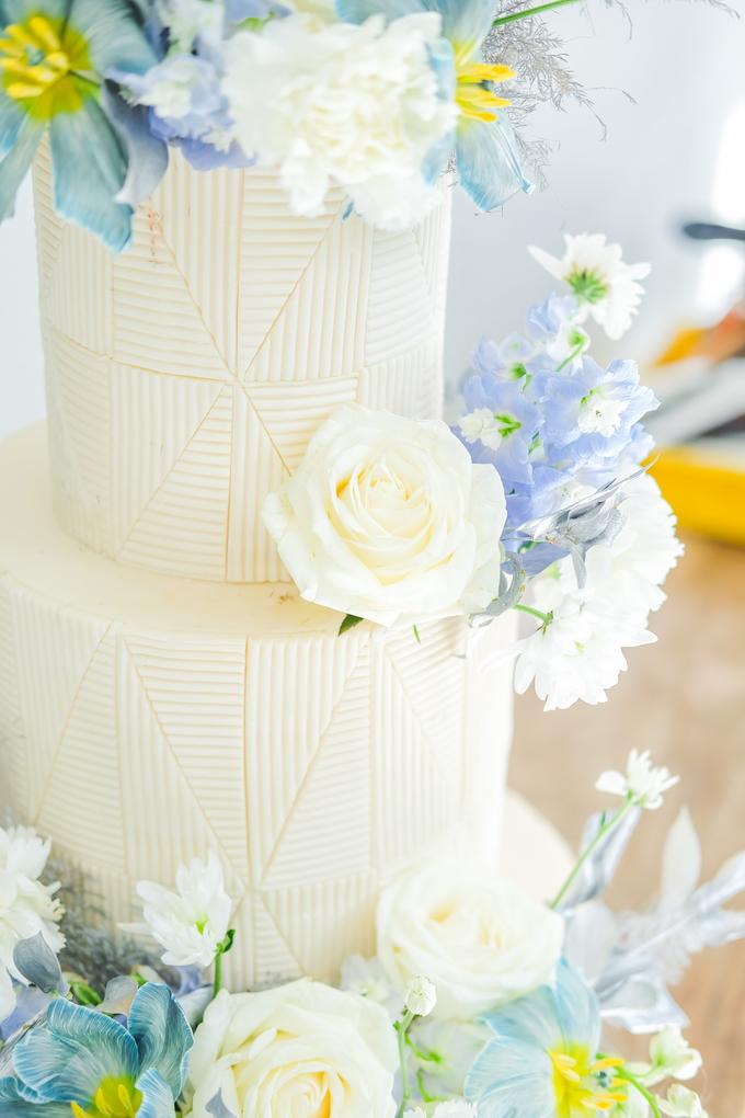 The wedding of Ferry & Kartika by KAIA Cakes & Co. - 046