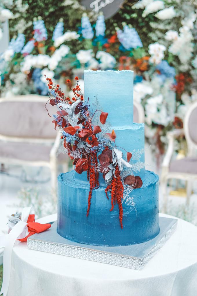 The wedding of Tika & Angga by KAIA Cakes & Co. - 008