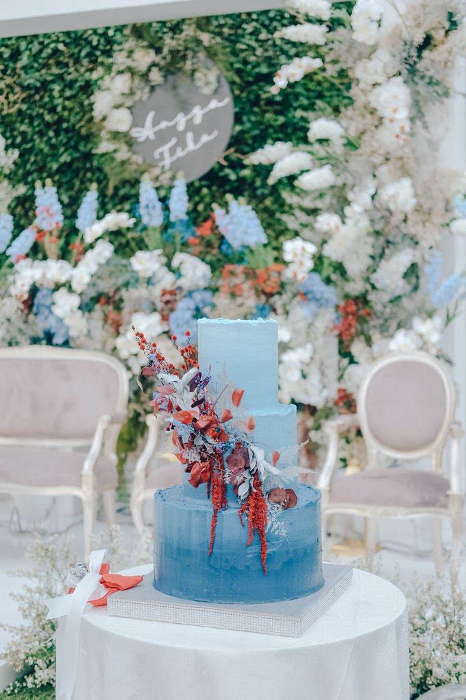 The wedding of Tika & Angga by KAIA Cakes & Co. - 009