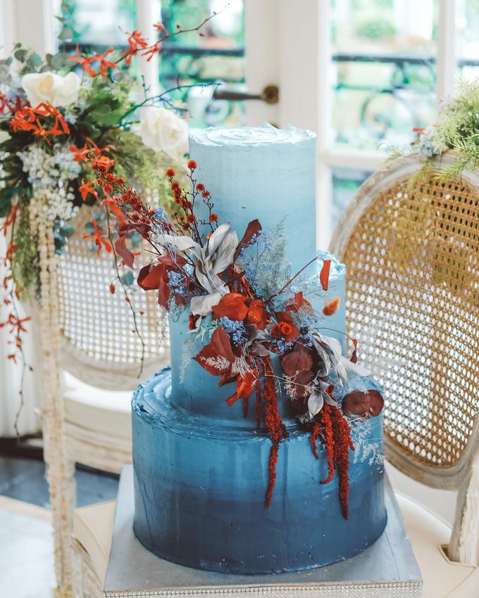 The wedding of Tika & Angga by KAIA Cakes & Co. - 025