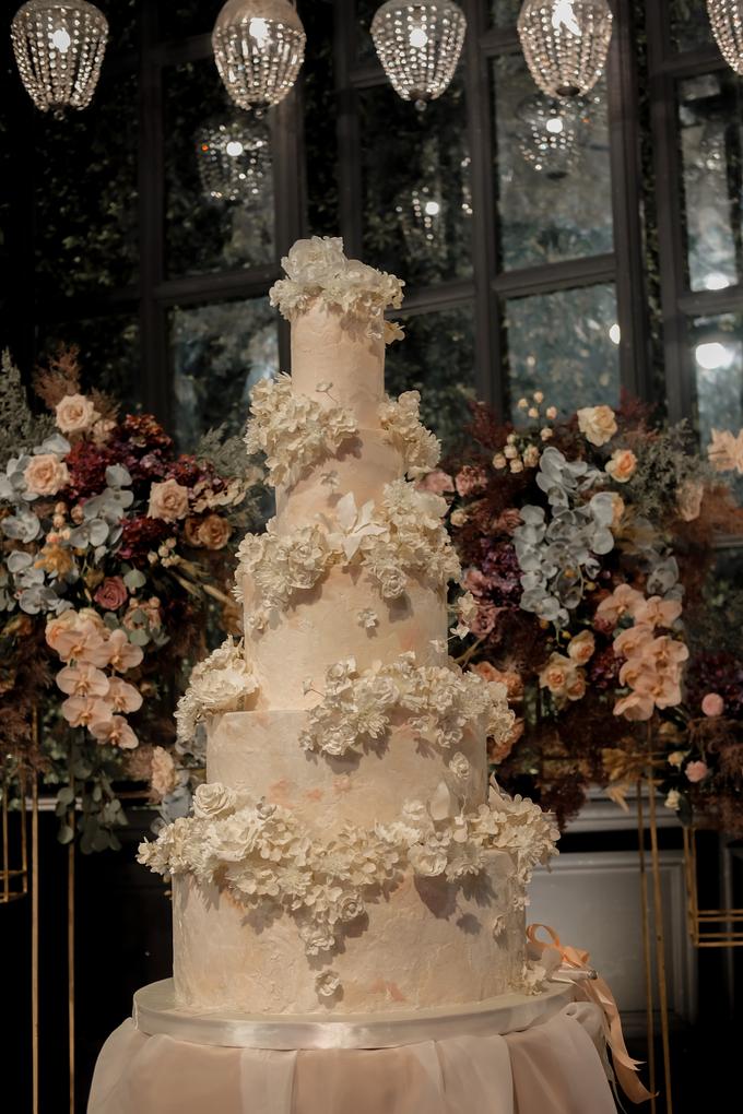 The wedding of Antonius & Angela by KAIA Cakes & Co. - 010