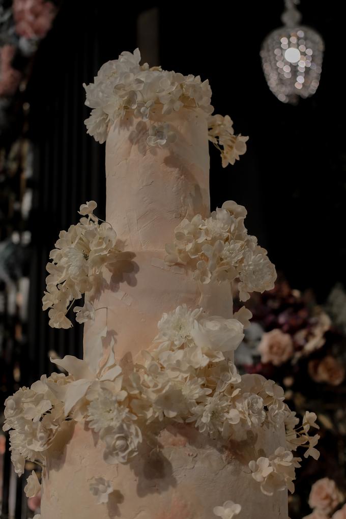The wedding of Antonius & Angela by KAIA Cakes & Co. - 011