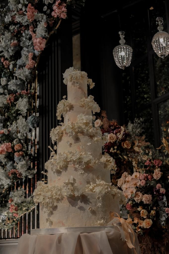 The wedding of Antonius & Angela by KAIA Cakes & Co. - 013