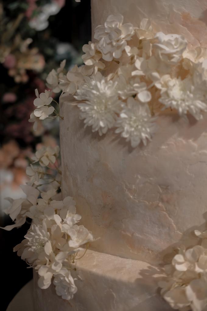 The wedding of Antonius & Angela by KAIA Cakes & Co. - 015