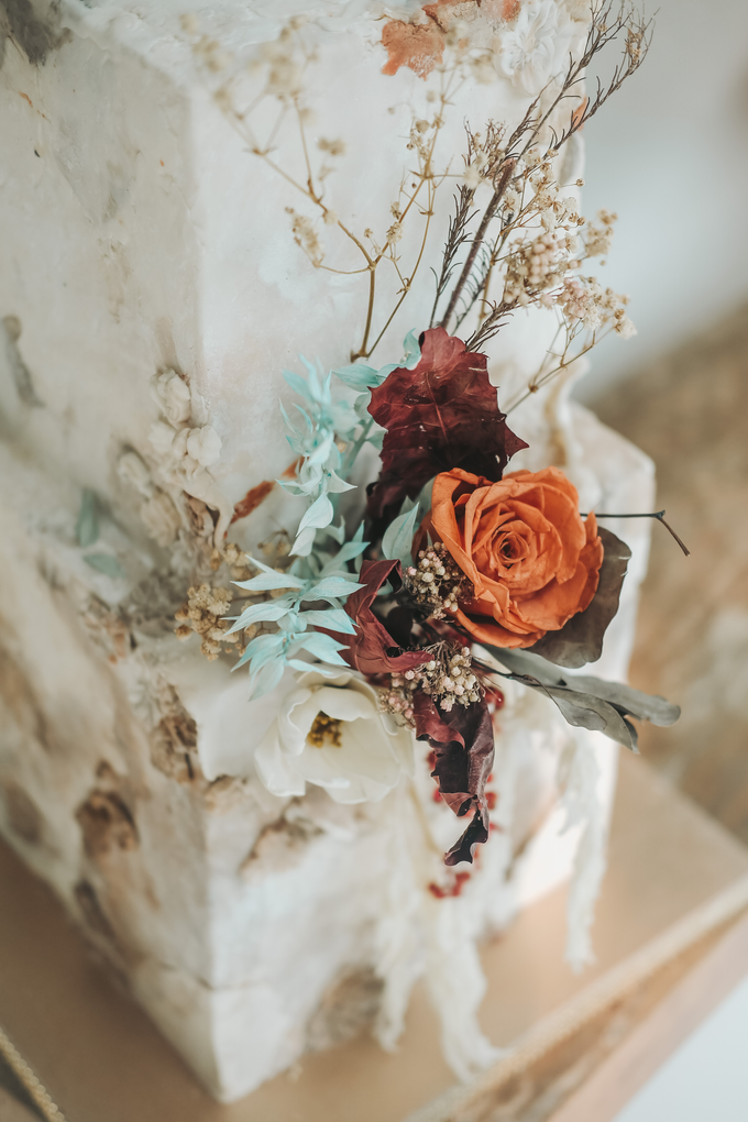 The wedding of Iwen & Devina by KAIA Cakes & Co. - 005