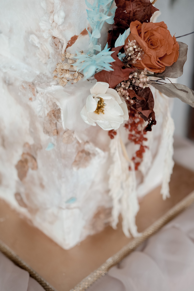 The wedding of Iwen & Devina by KAIA Cakes & Co. - 008
