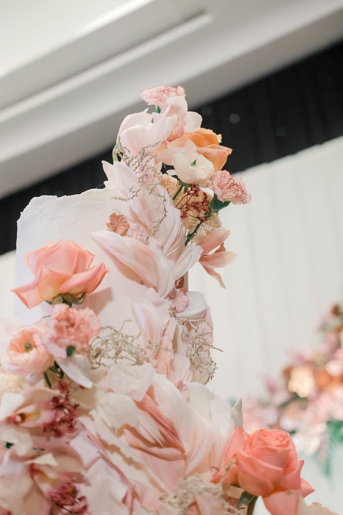 The wedding of Edbert & Priscilia by KAIA Cakes & Co. - 003