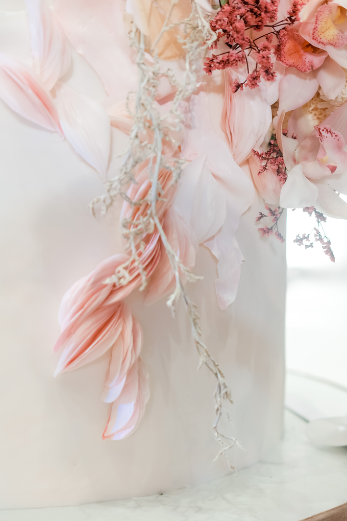 The wedding of Edbert & Priscilia by KAIA Cakes & Co. - 005
