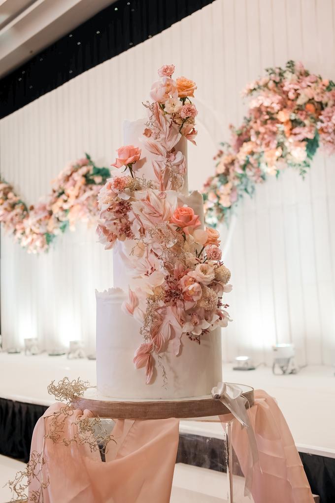 The wedding of Edbert & Priscilia by KAIA Cakes & Co. - 007