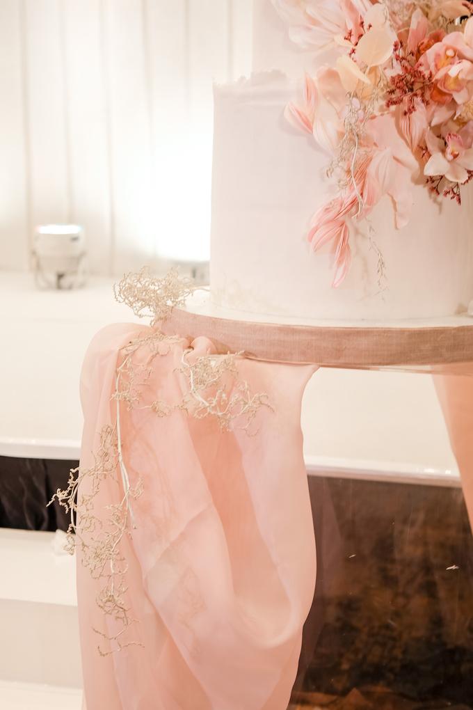 The wedding of Edbert & Priscilia by KAIA Cakes & Co. - 016