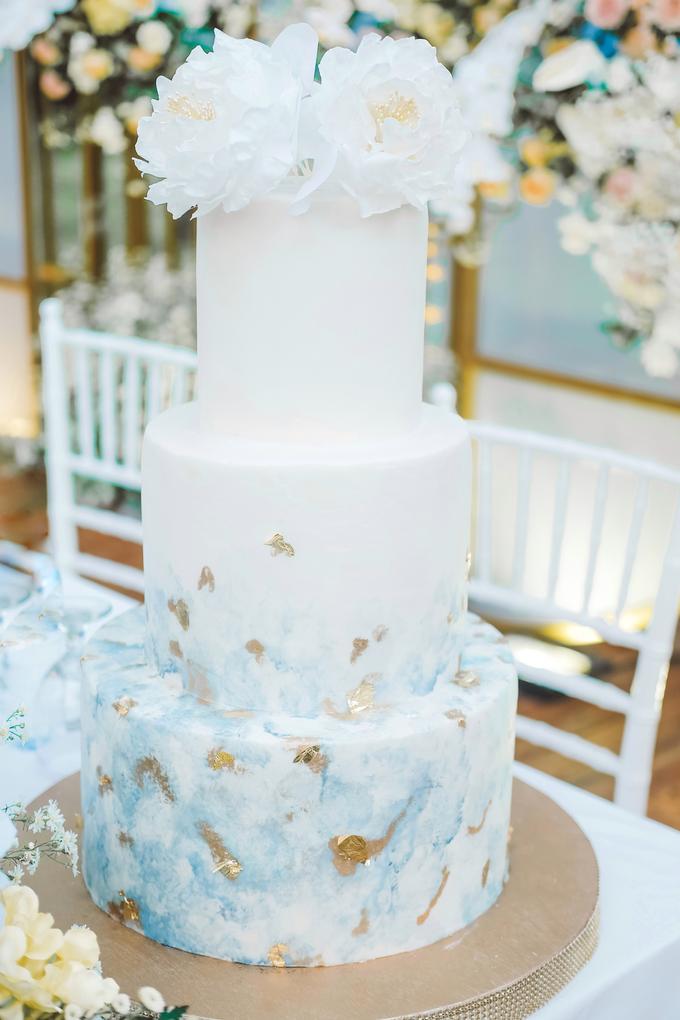 The wedding of  Lukito & Ria by KAIA Cakes & Co. - 009
