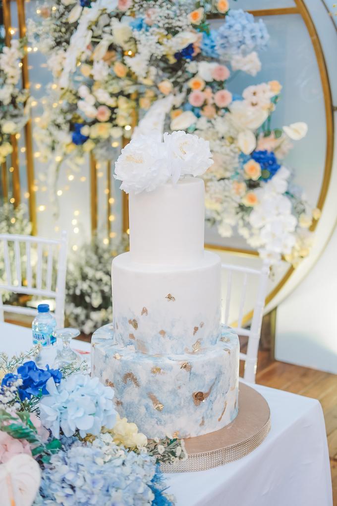 The wedding of  Lukito & Ria by KAIA Cakes & Co. - 013