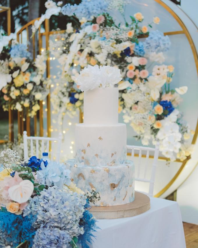 The wedding of  Lukito & Ria by KAIA Cakes & Co. - 014