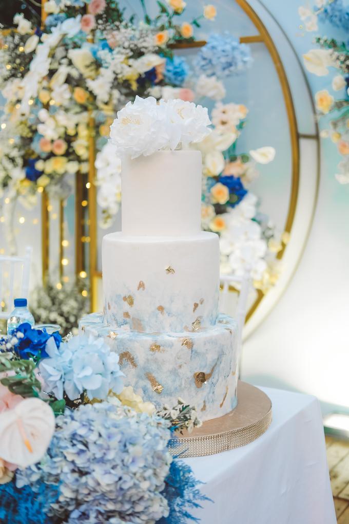 The wedding of  Lukito & Ria by KAIA Cakes & Co. - 016