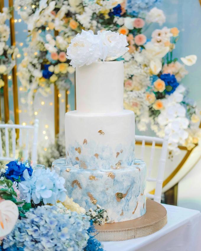 The wedding of  Lukito & Ria by KAIA Cakes & Co. - 019