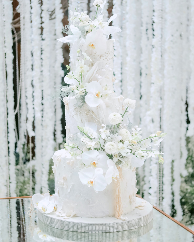 The wedding of Sulaeman & Claudia by KAIA Cakes & Co. - 015