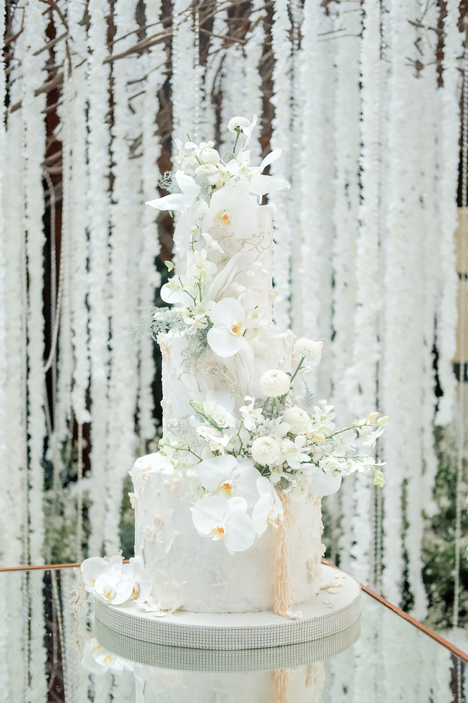 The wedding of Sulaeman & Claudia by KAIA Cakes & Co. - 017
