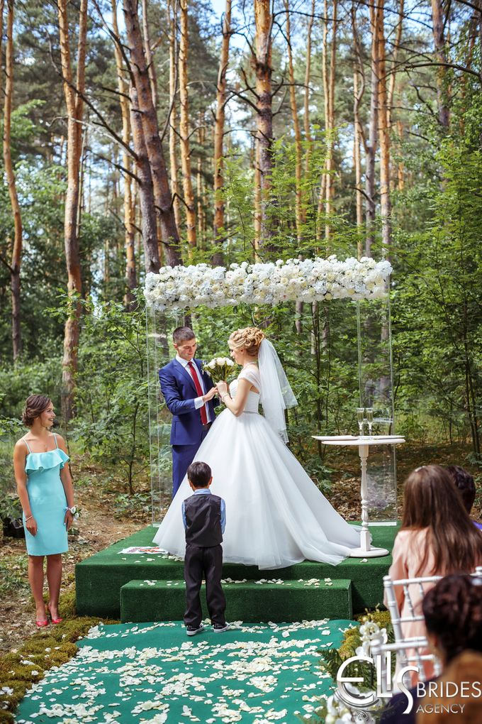 Greenery tale for Kate and Dime by Eli's brides agency - 017