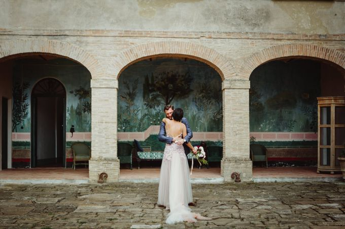 Intimate Wedding in Tuscan Artistic Villa by Fotomagoria - 023