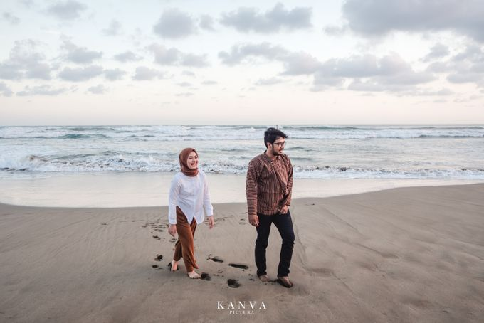 Sesi Prewedding Ceria Ketika Sunset by Kanva Pictura - 012