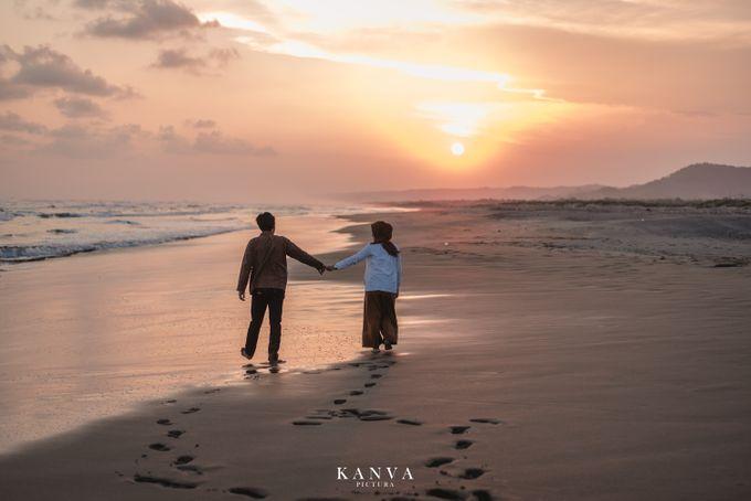 Sesi Prewedding Ceria Ketika Sunset by Kanva Pictura - 035