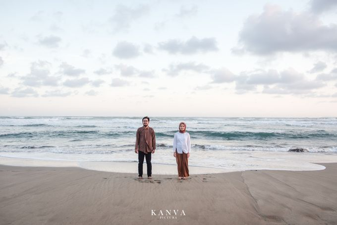 Sesi Prewedding Ceria Ketika Sunset by Kanva Pictura - 009