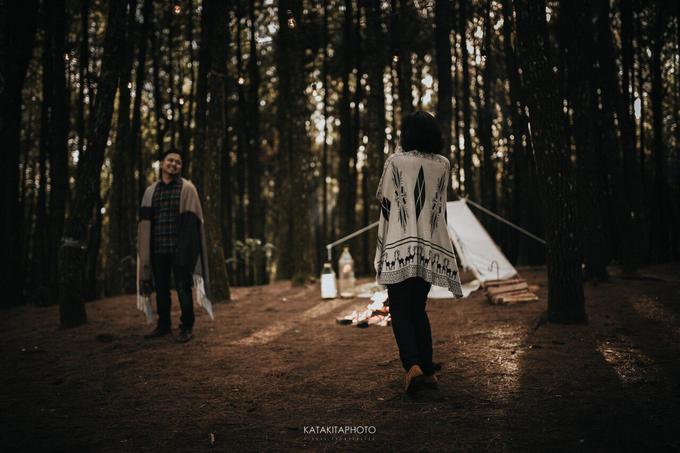 The prewedding of Astari & Andhika by Katakitaphoto - 005