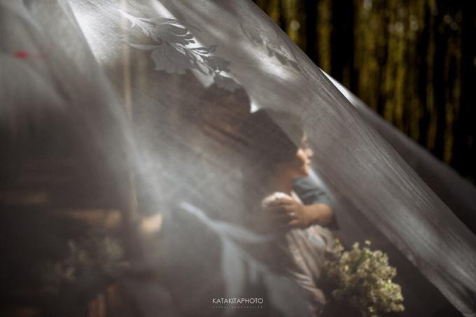 The prewedding of Astari & Andhika by Katakitaphoto - 010